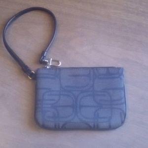 Express wristlet strap bag